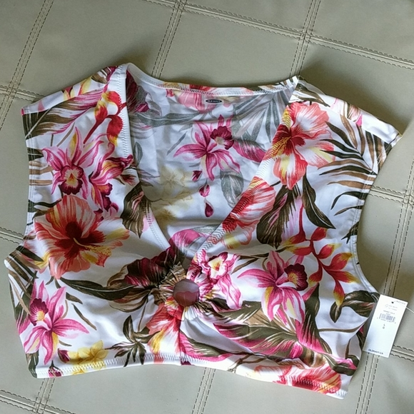 NWT OLD NAVY Floral Bathing Suit Top